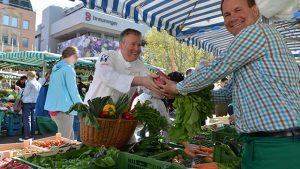 Ilzhöfer auf dem Wochenmarkt